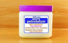 23.-Petroleum-Jelly-For-Dark-Circles