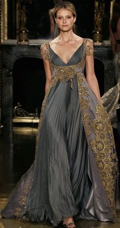 Gray and Gold Gown https://mariateresadebracamonte.wordpress.com/2015/09/12/fall-and-winter-wedding-inspiration/