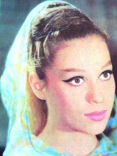 Από τα καλλιστεία στον Ελληνικό Κινηματογράφο…Πολλές Ελληνίδες έλαβαν μέρος στα καλλιστεία και στη συνέχεια σημείωσαν μικρή …