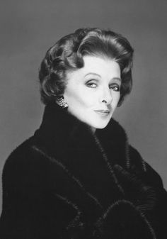 "Myrna Loy ~ Blackglama Mink ""What Becomes A Legend Most"" 1980 Golden Age Of Hollywood, Vintage Hollywood, Hollywood Stars, Classic Hollywood, Bert Stern, Robert Mapplethorpe, Myrna Loy, Annie Leibovitz, Richard Avedon"