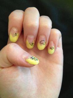 Keltaiset kynnet