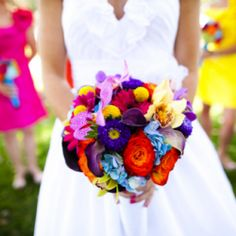 A little NEON goes a long way! Take a look and see how you can incorporate neon into your wedding.