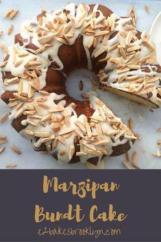 Marzipan Bundt Cake Nut Recipes, Cake Recipes, Dessert Recipes, Bunt Cakes, Cupcake Cakes, Cupcakes, Sicilian Recipes, Sicilian Food, Almond Tart Recipe
