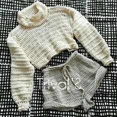 Fabulous Crochet a Little Black Crochet Dress Ideas. Georgeous Crochet a Little Black Crochet Dress Ideas. Mode Crochet, Crochet Baby, Crochet Bikini, Knit Crochet, Crotchet, Crochet Jumper, Crochet Granny, Crochet Designs, Crochet Patterns