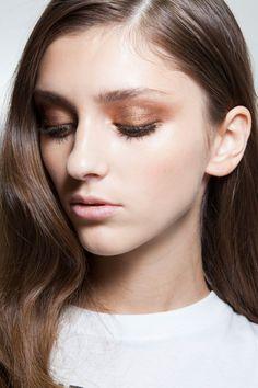 Genny Spring 2014. http://votetrends.com/polls/369/share #makeup #beauty #runway #backstage
