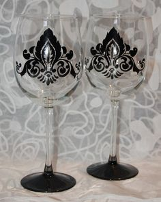 Damask Print Wine Glasses
