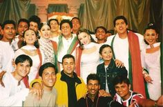 SRK with many other actors, , , ,