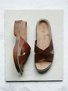 Free People Sandal Flats Fall Shoes, Summer Shoes, Shoe Shop, Flat Sandals, 1b199a868d