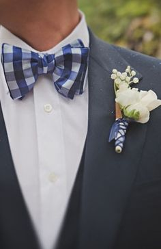 Blue and White Wedding Ideas - Gingham style! (Photo by: Stone Crandall Photography on Snippet and Ink via Lover.ly)