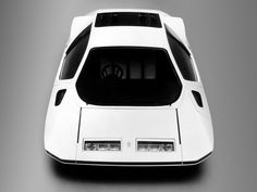 The Ferrari Modulo 512 was first seen at the Geneva Motor Show in 1970 but was designed a couple years earlier by Paolo Martin. Auto Gif, Geneva Motor Show, Futuristic Cars, Car Wheels, Car In The World, Car Show, Car Accessories, Custom Cars, Exotic Cars