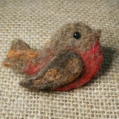 Robin Brooch - Needle felted Robin brooch - Christmas Robin by LincolnshireFenn on Etsy