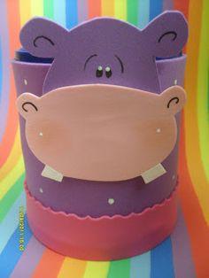 """""""TRABAJOS ARTESANALES """"ESTRELLA VANI"""": Animalitos para un cumple y bautismo... Cardboard Crafts, Foam Crafts, Diy And Crafts, Craft Foam, Diy For Kids, Crafts For Kids, Diy Pencil Case, Milk Box, Diwali Craft"""