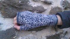Bezprsté rukavice ručně pletené technikou Fair Isle