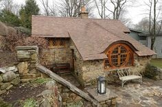 This Man Built His Very Own Hobbit Home... This Is What The Inside Looks Like. [STORY]