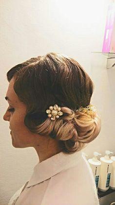 Hair#anni 20#acconciatura#spille#gioiello#tocco di classe hair#pink#vintage