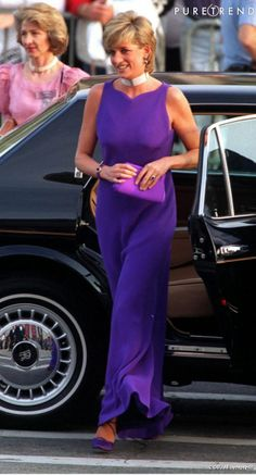 Diana in Versace. Gala Dinner at the Field Museum of National History, Chicago, June 1996.