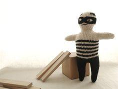 Le Petit Bandit de la maison. par dentsdeloup sur Etsy