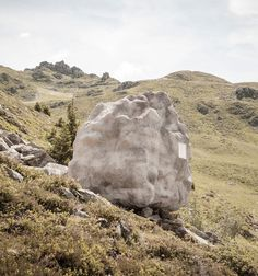 Boulder-shaped cabin perfectly camouflages in the Swiss Alps. It was designed by Bureau A.