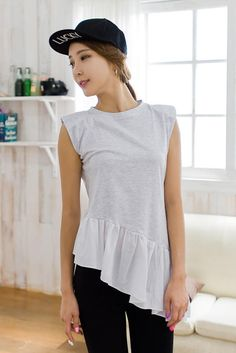 shoulder pad tilt tee from Kakuu Basic. Saved to Kakuu Basic Tees & Tops. Shop more products from Kakuu Basic on Wanelo.