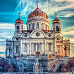 Russian Architecture, Byzantine Architecture, World Wallpaper, Neoclassical Architecture, Cross Paintings, Place Of Worship, Kirchen, Beautiful Buildings, Barcelona Cathedral