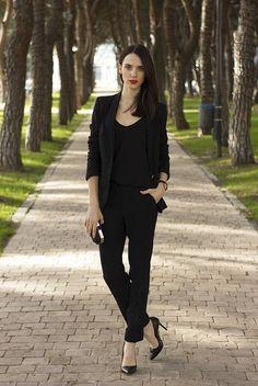 17 Hot Total Black Looks For Office | Styleoholic