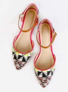 Online shopping for Tribal Print Pointy Toe Flats CORAL MULTI from a great selection of women's fashion clothing & more at MakeMeChic. Cute Shoes, Me Too Shoes, Shoes Sandals, Heels, Flat Shoes, Fashion Shoes, Fashion Accessories, Pointy Toe Flats, Cute Comfy Outfits