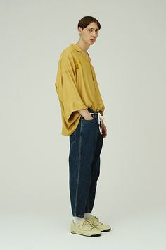 JieDa Focuses on Loose-Fitting Garments for Its 2017 Spring/Summer Collection
