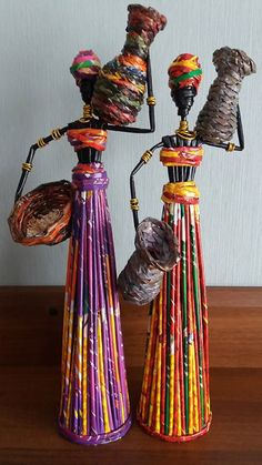 Папье-маше \ How to make doll \ Papier-mache - Papier maché, Plastic flessen en Papieren beelden Recycled Paper Crafts, Diy And Crafts, Arts And Crafts, Kids Crafts, Recycled Magazine Crafts, Cardboard Crafts, African Dolls, African Crafts, Pipe Cleaner Crafts