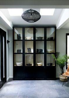 elegant black display cabinet Tulip Dining Table, Dining Nook, Dining Room Storage, Ford Interior, Interior Design, Midcentury Modern, Standing Pantry, Glass Shelves In Bathroom, Bathroom Niche