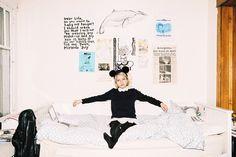 faykid:  Tavi Gevinson and the bedroom.