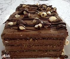 Mamina jela: Širli Templ torta - torta od čokolade i lešnika Torte Recepti, Kolaci I Torte, Cupcake Recipes, Cupcake Cakes, Rodjendanske Torte, Chocolates, Custard Cake, Berry Cake, Pastries