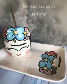 Pottery Painting, Ceramic Painting, Ceramic Art, Painted Plant Pots, Posca, Anime Art Girl, High Tea, Woodworking Plans, Projects To Try