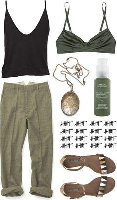 Pantalon en lin kaki + caraco noir + sandales+ pendentif doré