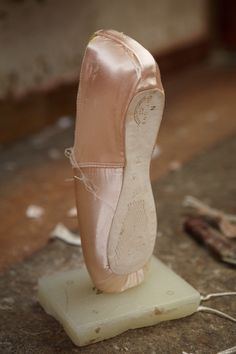When the block and platform have been created – this is the moment when it rests ghostly on Pointe, unaided, perfectly balanced, dancing its... I've tried- none of my pointe shoes have ever been that well balanced