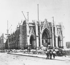 St Patrick's Cathedral under construction, New York. (New York Times) Vintage Pictures, Old Pictures, Old Photos, New York Vintage, New York Times, New York Minute, Gothic Cathedral, New York Pictures, Equador