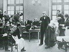 Vor allem Charcots Beschäftigung mit der Hypnose, im Versuch eine organische Ursache für die Hysterie zu finden, weckte Freuds Interesse.