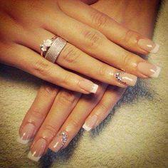 Simple soft wedding nails - My wedding ideas