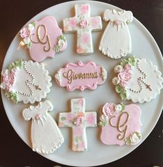 Shabby Chic Baby Shower Cookies / One Dozen Royal Icing Cookies, Sugar Cookies, Cookies Et Biscuits, Pig Cookies, Christening Cookies, Baby Christening, Christening Cupcakes Girl, Baby Girl Baptism, Girl Baptism Cakes