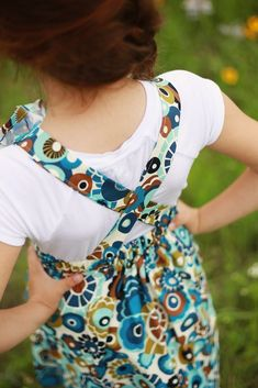 Free Heart Pinafore Sewing Pattern for Girls - Sew Crafty Me Baby Dresses, Girls Dresses, Easy Girls Dress, Pinafore Pattern, Rolled Hem, Learn To Sew, Fun Diy, Princesses, Free Pattern