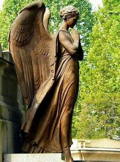 angel sculpture - Cemetery of Turin Cemetery Angels, Cemetery Statues, Cemetery Art, Angels Among Us, Angels And Demons, Angeles, Statue Ange, Old Cemeteries, Graveyards