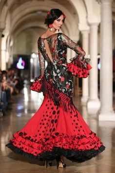 Madroñal - We Love Flamenco 2020 - Sevilla Flamenco Party, Flamenco Costume, Spanish Dress, Spanish Style, Spanish Costume, Flamingo Dress, Winter Typ, Spanish Fashion, Ballroom Dress