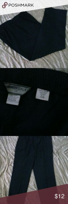 "Allison Daley II Women's Plus Navy Blue Pants 20W New without tags Allison Daley II Elastic waist band for extra comfort Waist flat lay 19"" wide without stretch Inseam 30"" long. Color Navy blue 96% Polyester 4% Spandex Side POCKETS one on each side. Bundle and save! Machine Wash! RW2 Allison Daley II Pants Trousers"