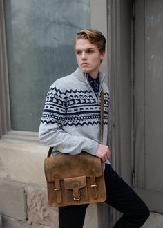 The leather satchel bag for men is a uni bag that you can show off around campus. A great way to go back to university in style! Take off with student discount code on all full price bags! University Bag, Back To University, University Style, Leather Laptop Bag, Leather Satchel, Satchel Bags For Men, Uni Bag, Mens Back, Student Discounts