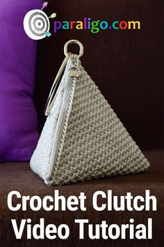 Discover thousands of images about Crochet Clutch Pyramid Video Tutorial! Crochet Clutch Pattern, Crochet Clutch Bags, Crochet Handbags, Crochet Purses, Easy Crochet Patterns, Crochet Designs, Crochet Hooks, Tutorial Crochet, Crochet Bags