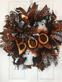 Halloween ghost wreath for front door, Halloween decoration, black and orange color scheme, holiday What Day Is Halloween, Halloween Ghosts, Halloween House, Fall Halloween, Halloween Crafts, Halloween Ideas, Halloween Drinks, Halloween Table, Outdoor Halloween