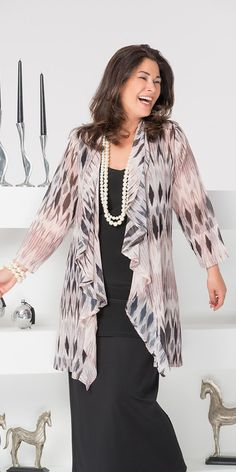 Plus size Kasbah taupe/black voile waterfall jacket Mature Fashion, Fashion Over 50, Look Fashion, Plus Size Fashion, Womens Fashion, Stylish Dress Designs, Stylish Dresses, Fashion Dresses, Mode Kimono
