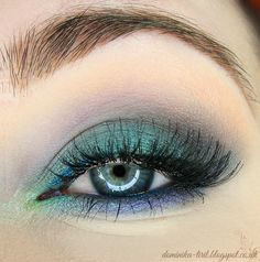 Stunning 'Late Night' look by Tiril using Makeup Geek's Mermaid, Peach Smoothie, Ocean Breeze, Sea Mist, and Shimma Shimma eyeshadows!