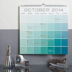色味の少ないお部屋ならアクセントにいかが? グラデーションが美しいシンプルなカレンダー。
