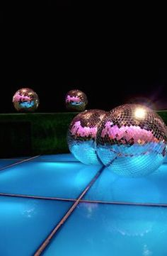 Party disco night mirror ball 59 Ideas for 2019 Disco Floor, Disco Ball, Musica Disco, Disco Night, Mirror Ball, Disco Party, Party Party, Studio 54, Super Party