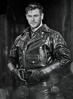 Leather Harness, Men's Leather, Leather Gloves, Hot Cops, Special Girl, Chris Pratt, Chris Hemsworth, Male Beauty, Bikers